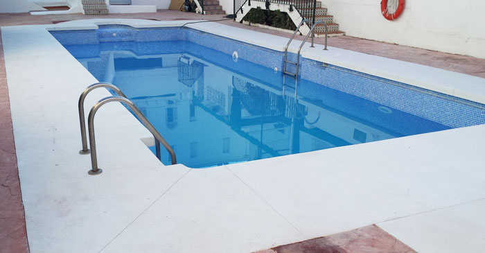 Piscinas cubiertas malaga finest piscinas cubiertas for Piscina inacua malaga